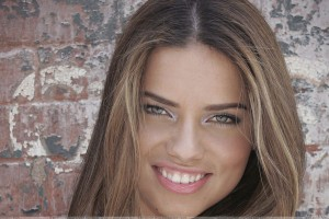 Adriana Lima Glossy Pink Lips N Cute Eyes Face Closeup