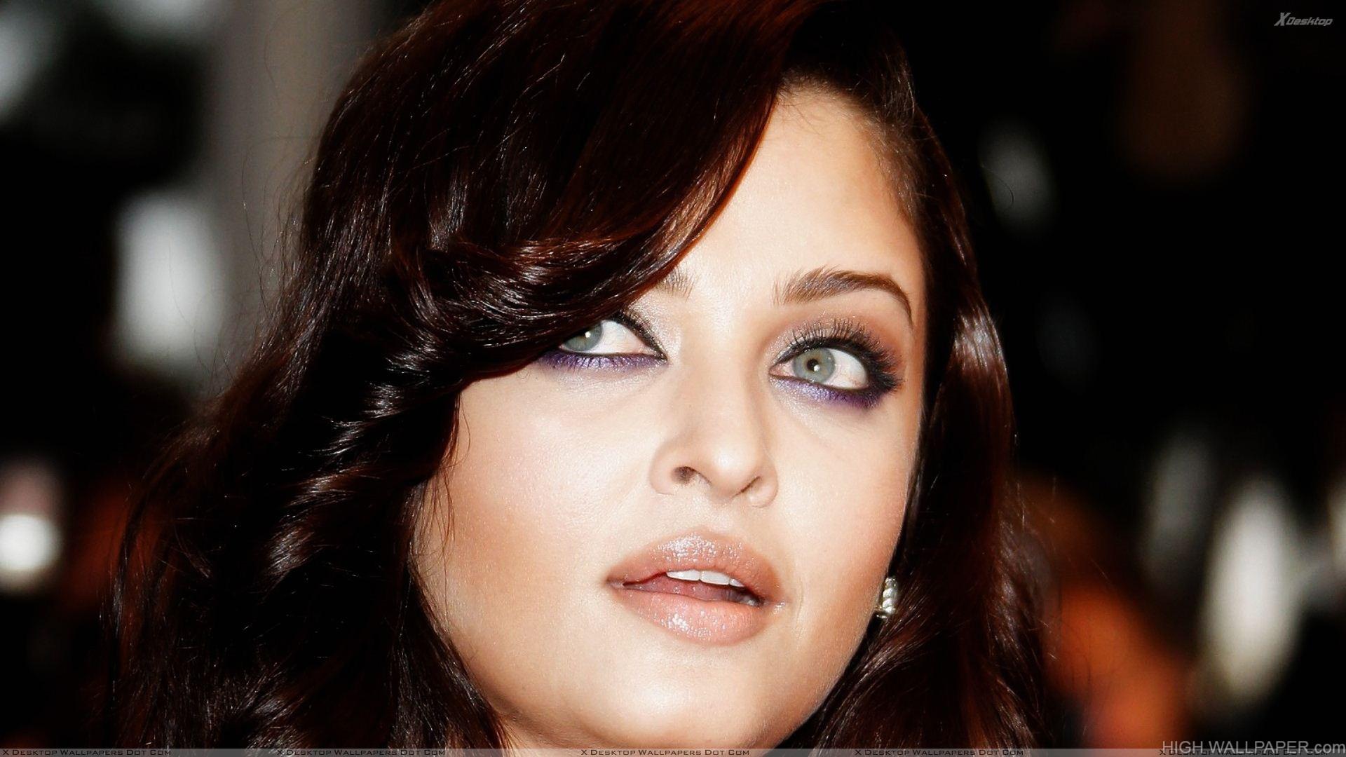 Aishwarya Rai Cosmopolis Cannes Premiere Open Mouth