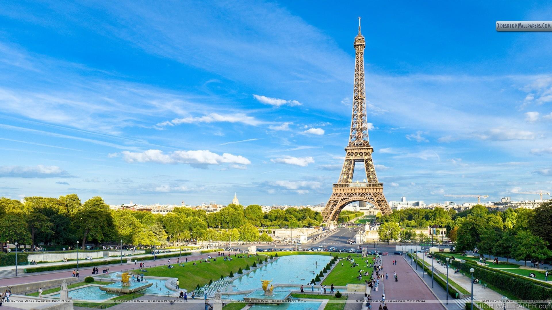 Amazing Far View of Eiffel Tower Paris