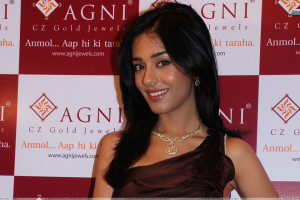Amrita Rao Smiling In Agni Jewellery Event