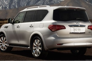 Back Side Pose Of Infiniti QX56 2011 In White