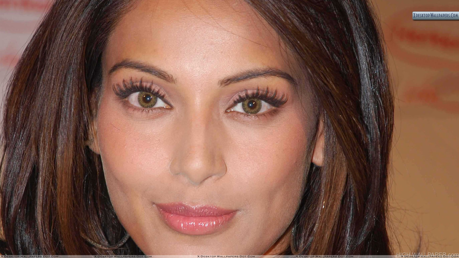 Bipasha Basu Pink Lips And Brown Eyes Face Closeup