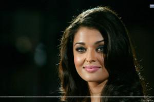 Cute Aishwarya Raipink Wet Lips Face Closeup