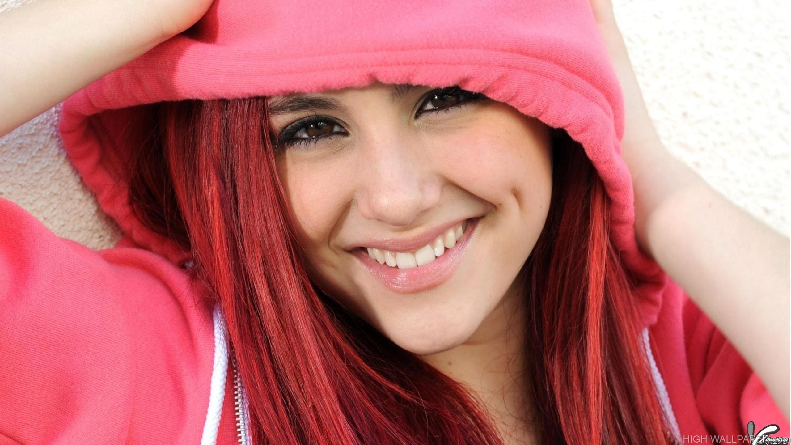 Cute Ariana Grande In Pink Dress Face Closeup