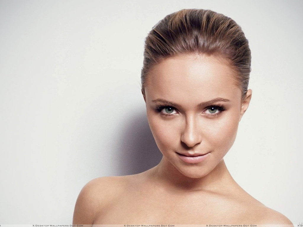 Cute Hayden Panettiere Smiling Face And Looking Front Hd