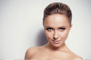 Cute Hayden Panettiere Smiling Face And Looking Front