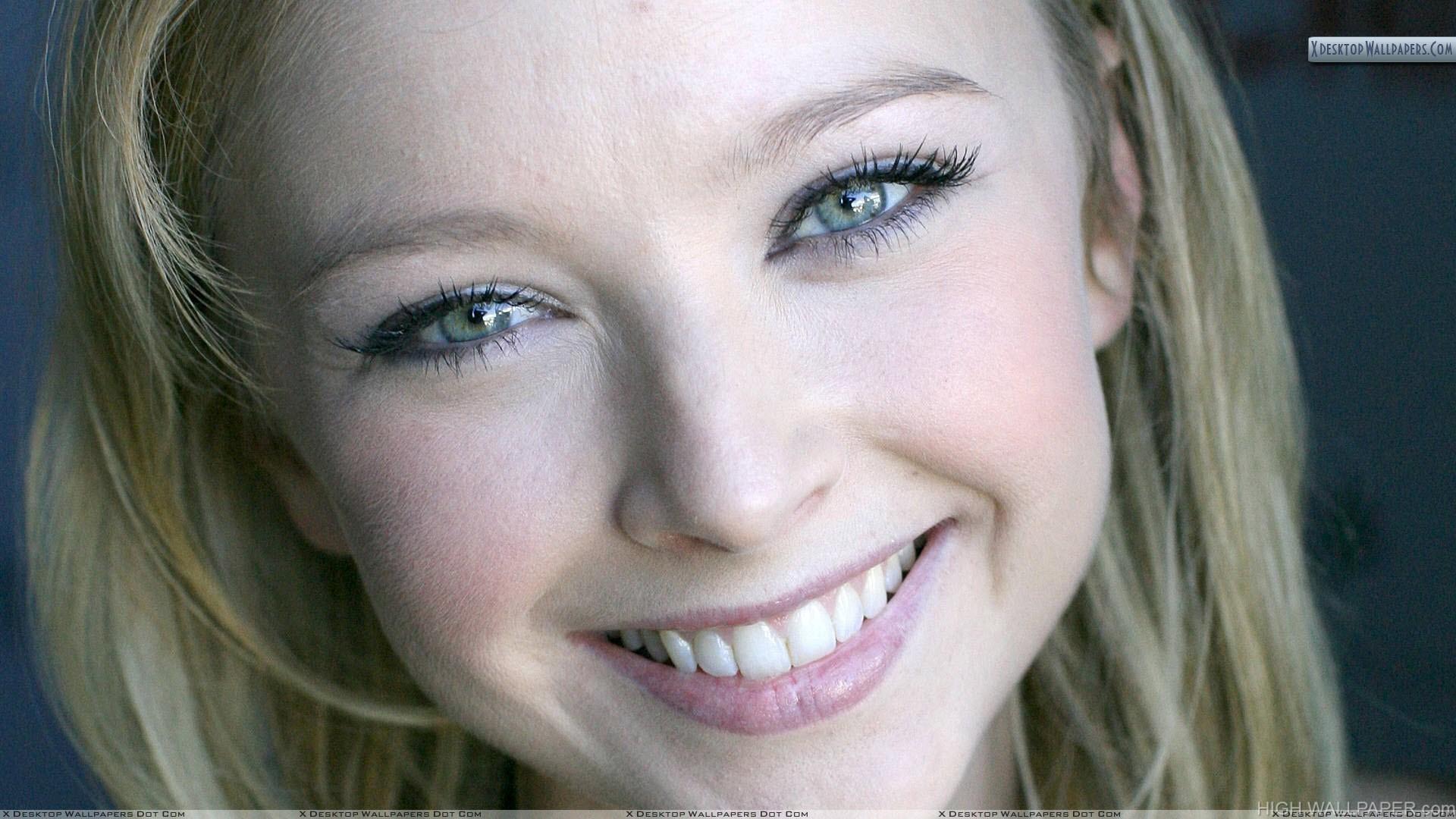 Elisabeth Harnois Smiling Cute Face Closeup