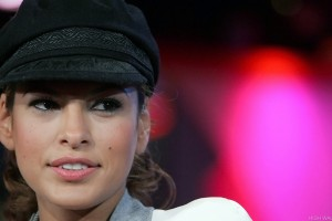 Eva Mendes Face Closeup Wearing Black Hat