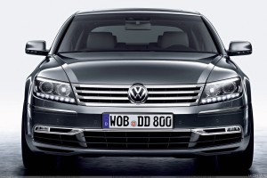 Front Pose Of 2011 Volkswagen Phaeton In Grey