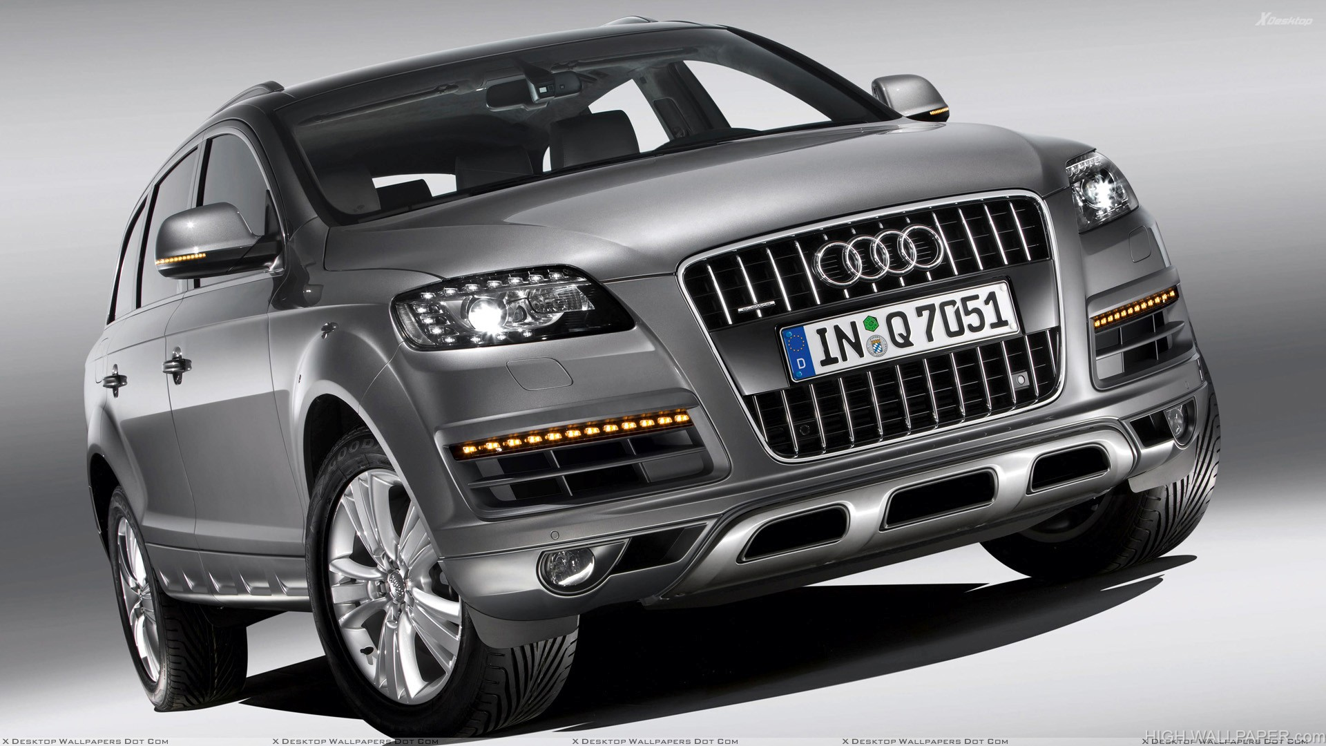 Front Pose of 2010 Audi Q7 30 TDI In Grey