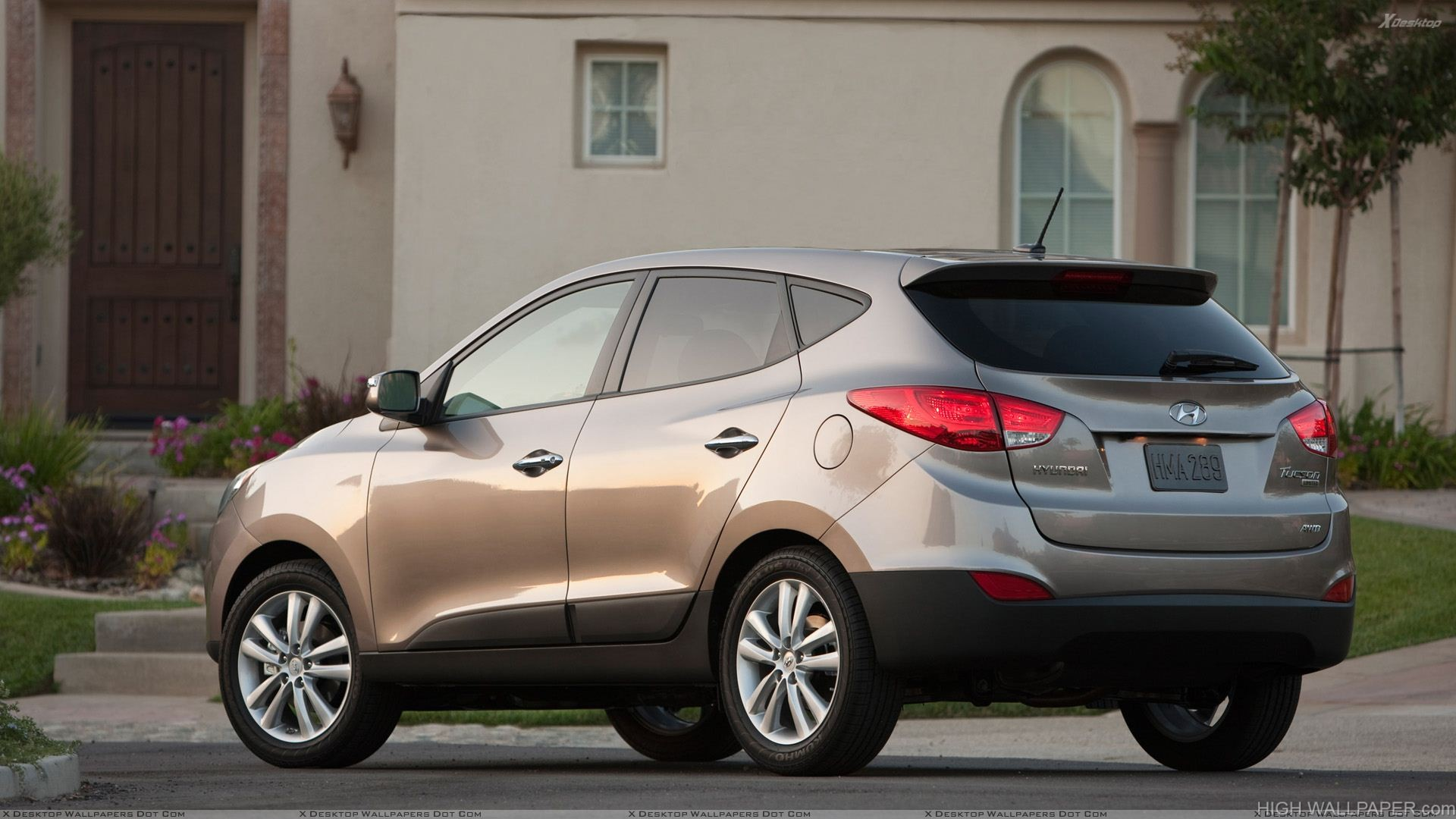 Hyundai Tucson Side Rear View