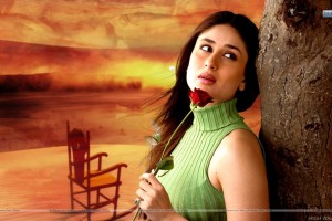 Kareena Kapoor Green Top And Rose In Hand