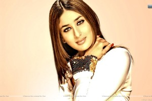 Kareena Kapoor Sexy Smile And Cute Face