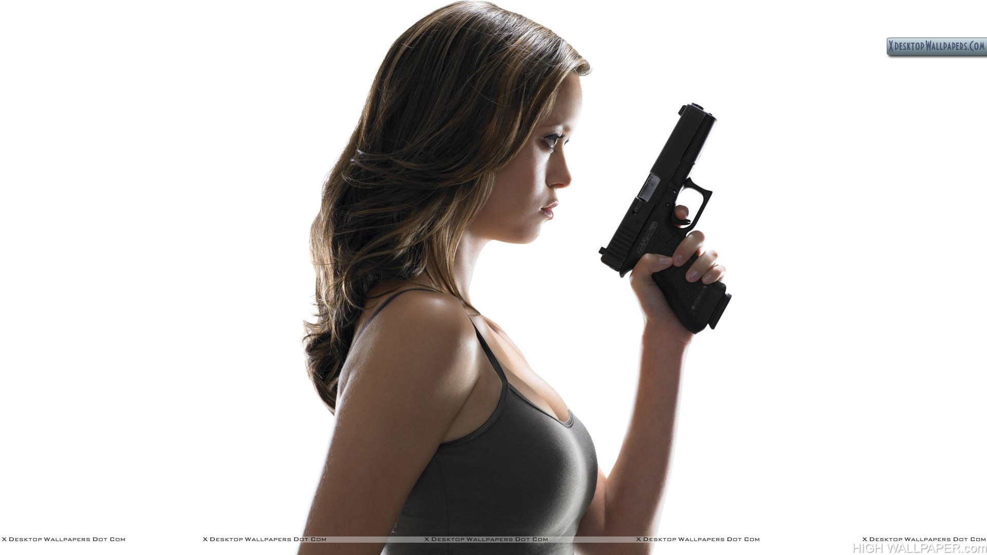 Kristanna Loken Ready To Shoot Side Pose Terminator 3
