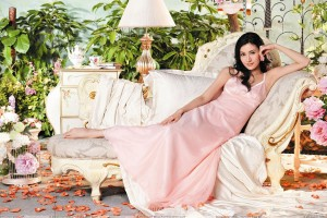 Michelle Reis In Pink Dress Photoshoot