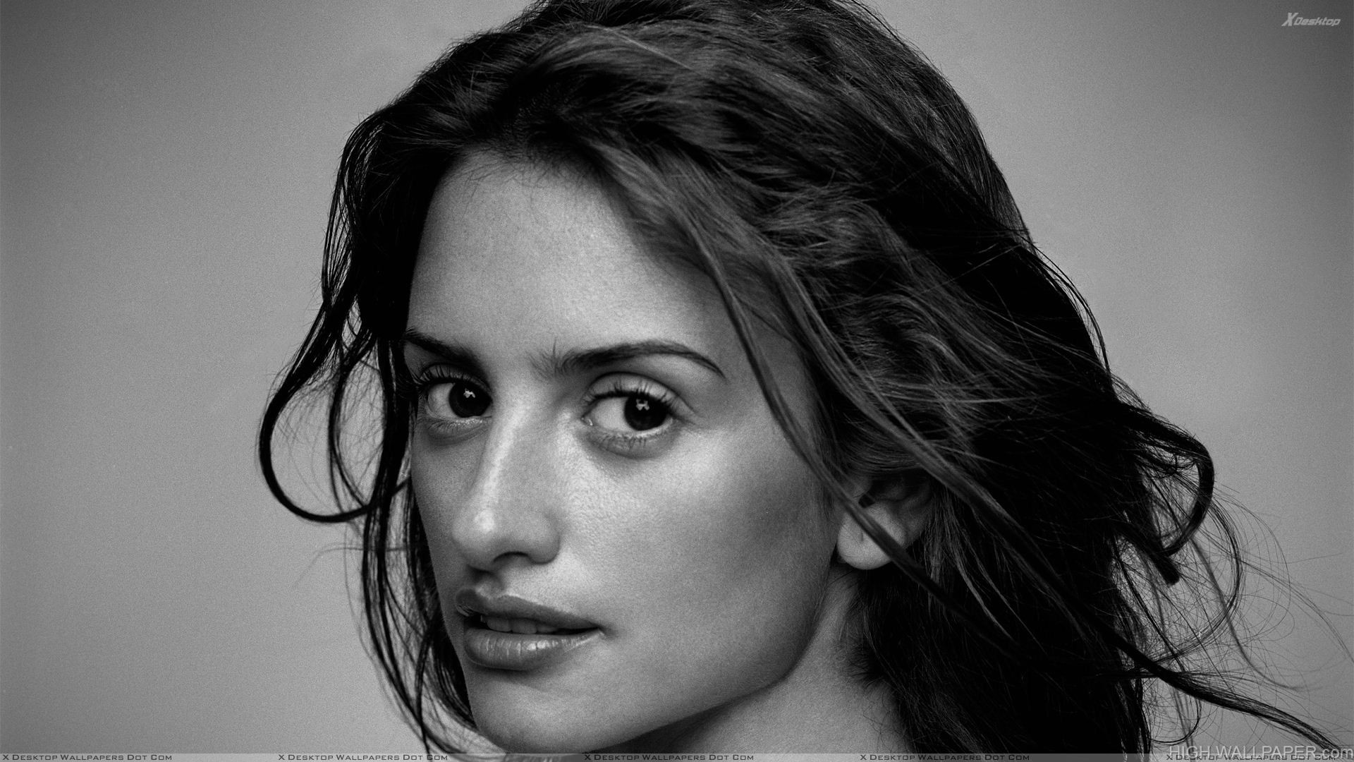 Penelope Cruz Looking Back Black N White Face Closeup