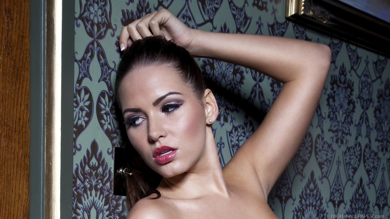 Sabine Jemeljanova 11579 1366x768 Hd Wallpaper