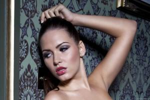Sabine Jemeljanova 11579 1366x768
