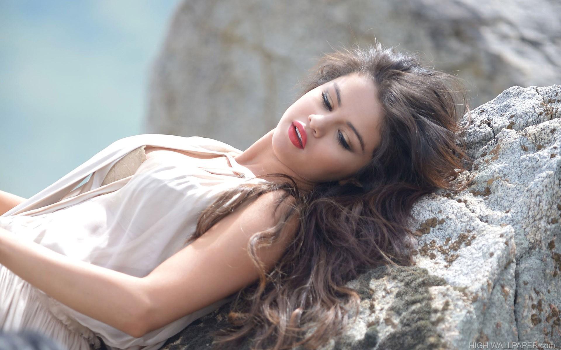 Selena Gomez 11413