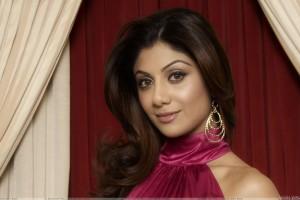Shilpa Shetty Cute Pose In Pink Top