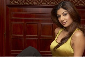 Shilpa Shetty Sexy Smile In Yellow Top
