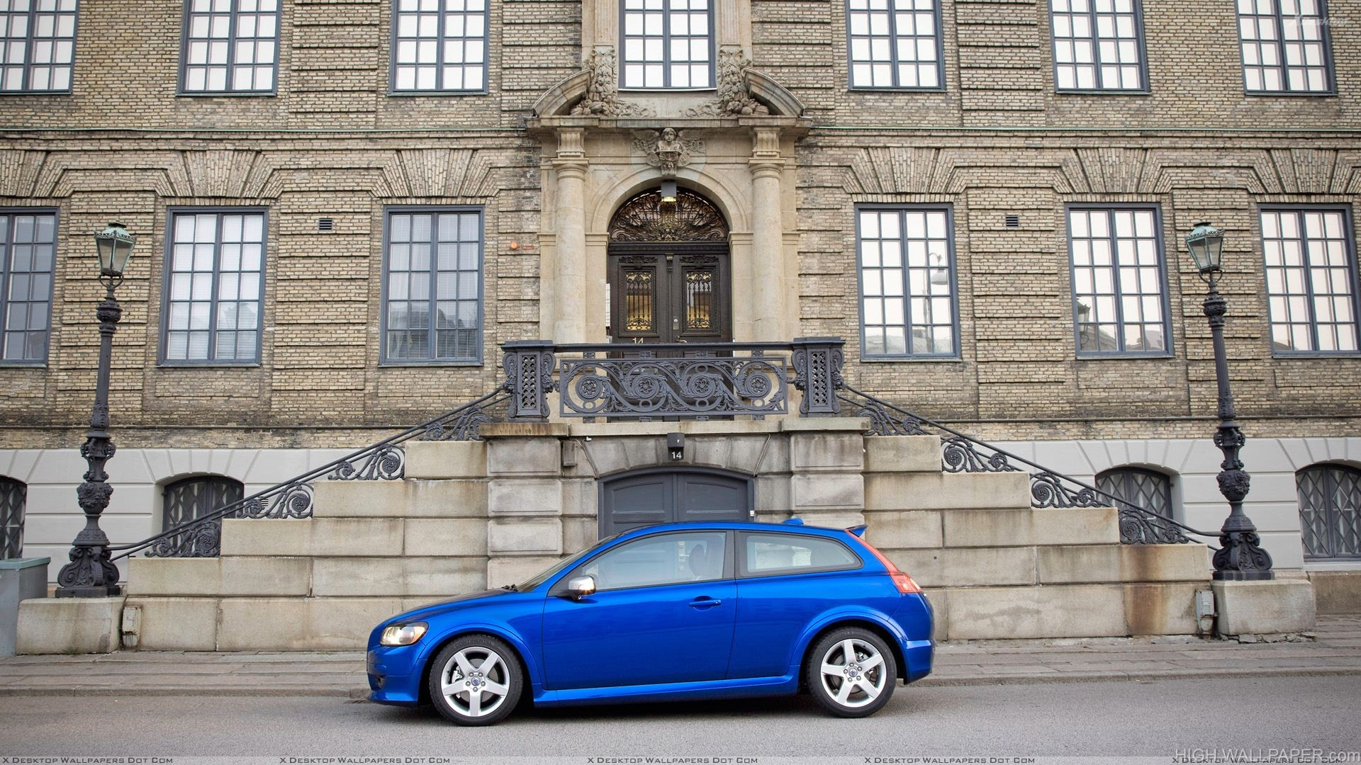 Side Pose Of 2010 Volvo C30 In Blue