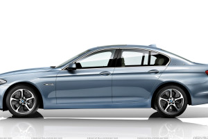 Side Pose Of BMW ActiveHybrid 5 In Blue