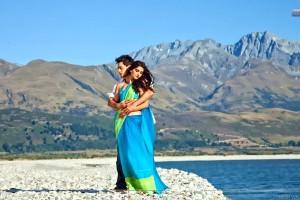 Sonam Kapoor Imran Khan Hugging Mountain Scene