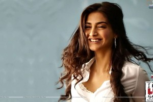 Sonam Kapoor Sexy Smile I Hate Luv Storys