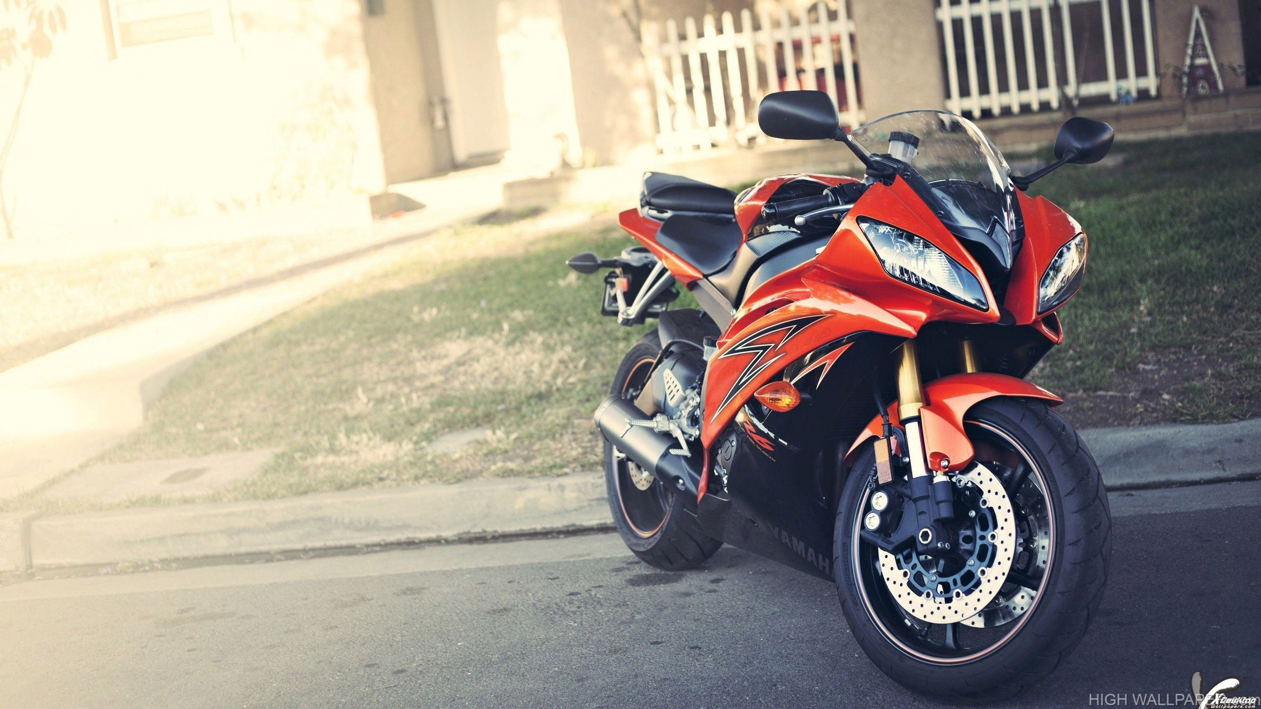 Standing On Roadside 2014 Yamaha YZF R6 In Orange
