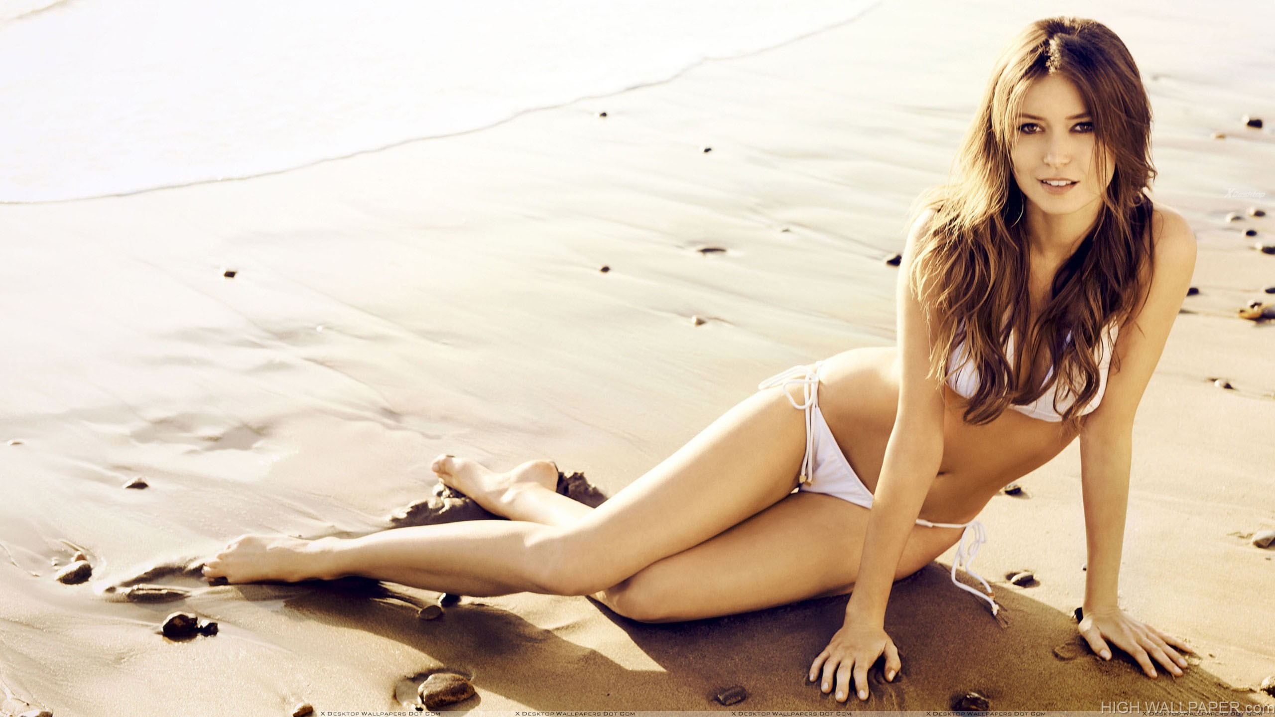 Summer Glau In White Bikini Laying On The Wet Sand