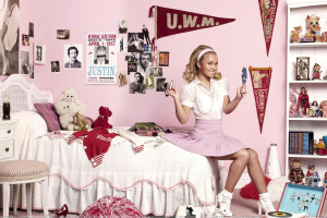 Sweet Hayden Panettiere Sitting In Kids Room
