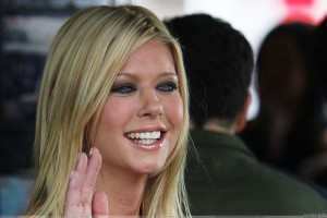 Tara Reid Smiling And Saying Hii Photoshoot